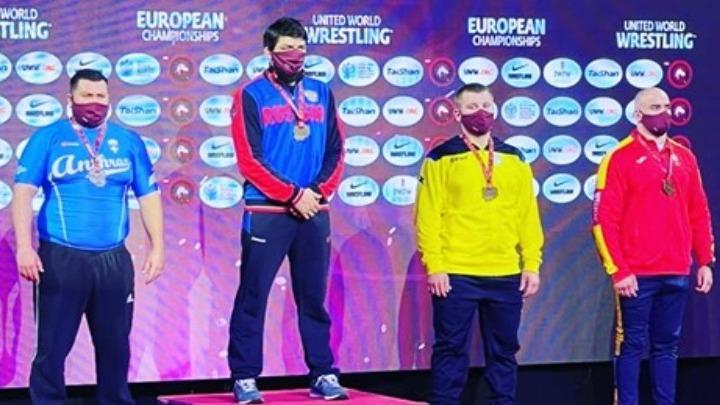 Νέα διάκριση μετά τον Πετρούνια: Αργυρό μετάλλιο ο Καργιωτάκης στο ευρωπαϊκό πάλης