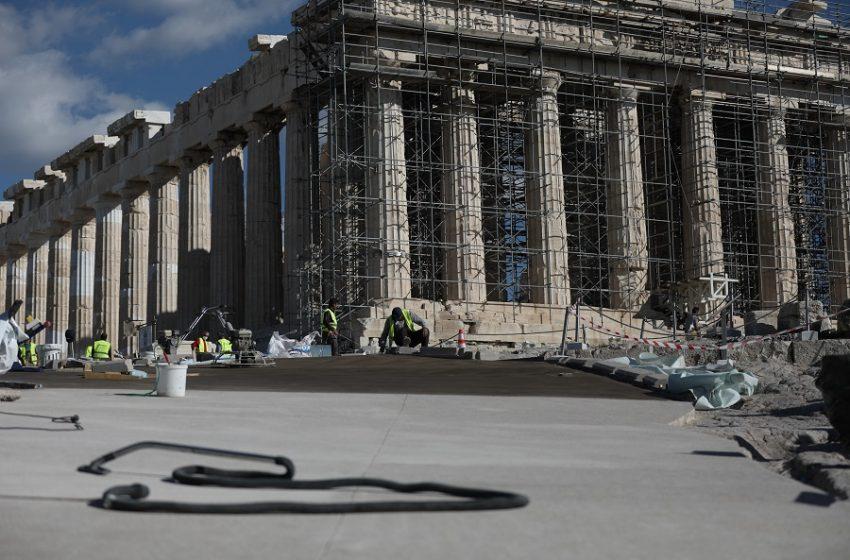 """Ακρόπολη: """"Φωτιές"""" για την επιγραφή…Μενδώνη- Επίθεση ΣΥΡΙΖΑ- Τι απαντά η υπουργός"""