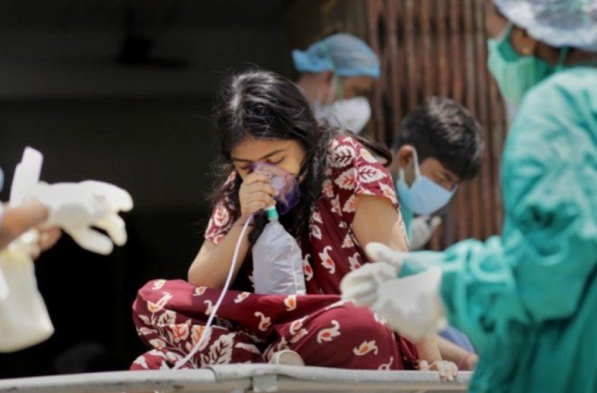 Ινδία: Σοκ με 379.257 κρούσματα σε μια μέρα