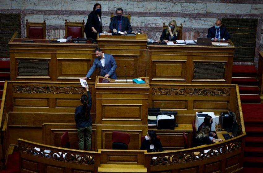 """Βουλή: """"Ναι"""" της ολομέλειας στην αίτηση άρσης ασυλίας του Σταύρου Αραχωβίτη"""