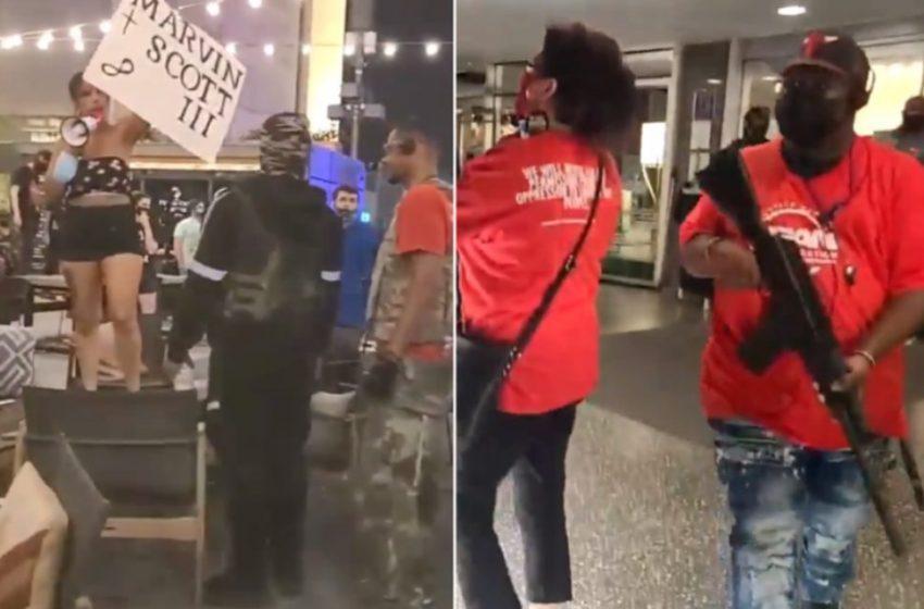 """H σιωπή είναι βία"": Ένοπλες διαδηλώσεις στο Ντάλας"