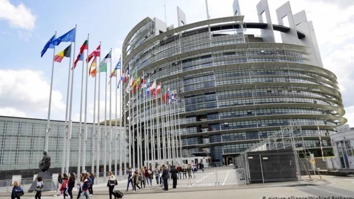 ΕΕ: Υπέρ του Ευρωπαϊκού Πιστοποιητικού COVID-19 οι ευρωβουλευτές για ελεύθερη μετακίνηση