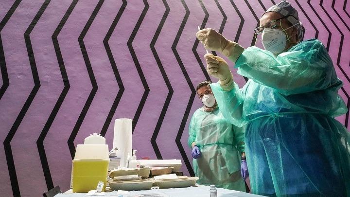 Ιταλία: 500.000 εμβολιασμοί την ημέρα – Μέχρι τα μέσα Ιουλίου θα έχει εμβολιαστεί το 60% των πολιτών