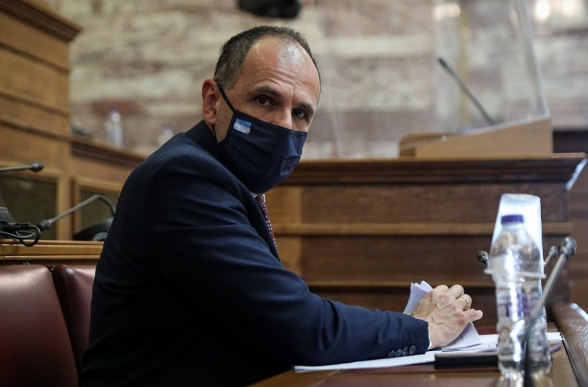 """Γεραπετρίτης: """"Παιδαγωγική η λειτουργία των sms"""" – ΣΥΡΙΖΑ: """"Στενόμυαλος γυμνασιάρχης"""" (ηχητικό)"""