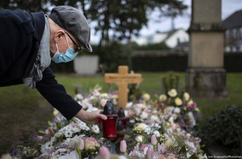 Η Γερμανία τιμά τα 80.000 θύματα της πανδημίας