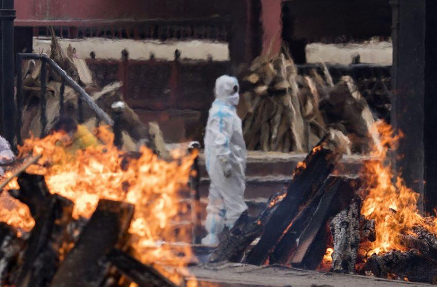 Τραγωδία διαρκείας στην Ινδία – Ένας θάνατος κάθε 4 λεπτά από covid