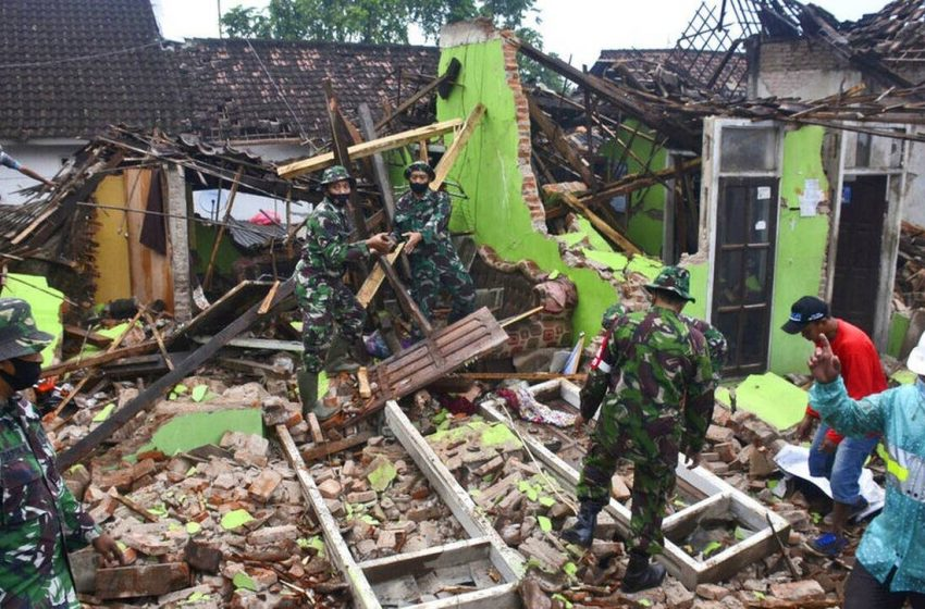 Επιχείρηση ταχείας διάσωσης και παροχής βοήθειας μετά τον σεισμό των 5,9 Ρίχτερ στην Ινδονησία