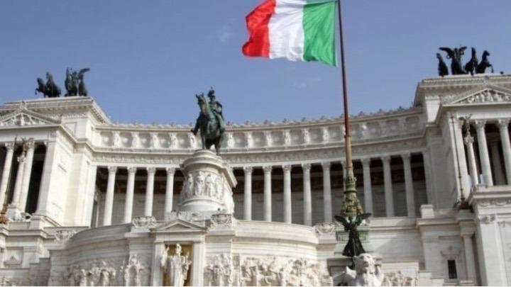 Ιταλία: Επισημοποιεί τη χαλάρωση των μέτρων προστασίας