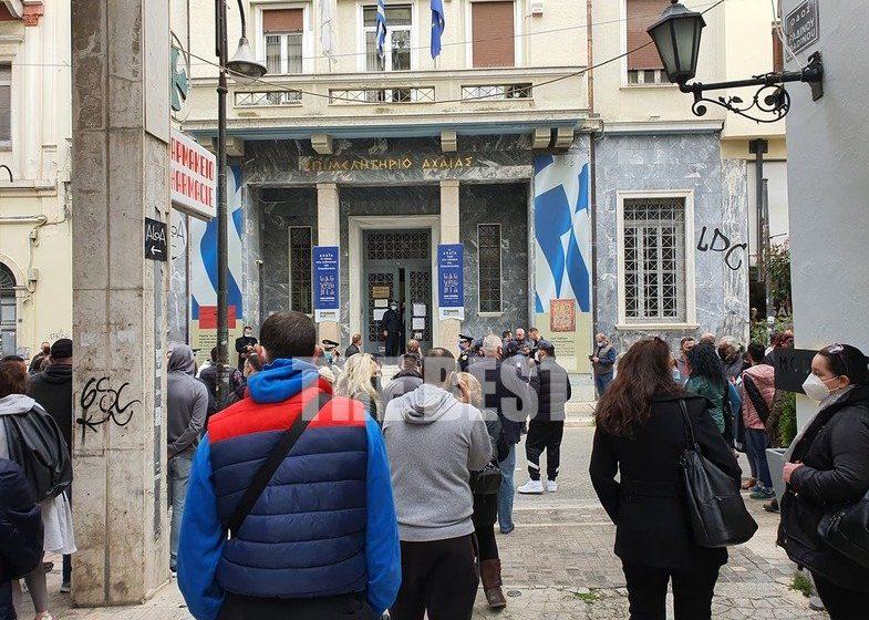 Πελετίδης σε Πέτσα: Να ανοίξουν τα καταστήματα – Νέες διαμαρτυρίες κατά του υπουργού (vid)