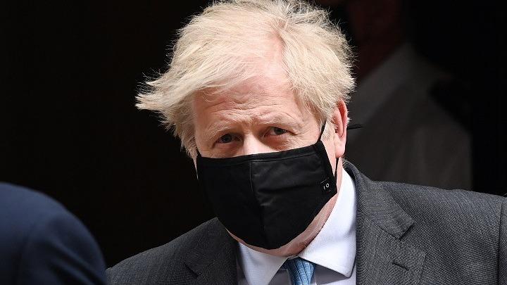 Βρετανία: Kάνει ανασχηματισμό o Tζόνσον