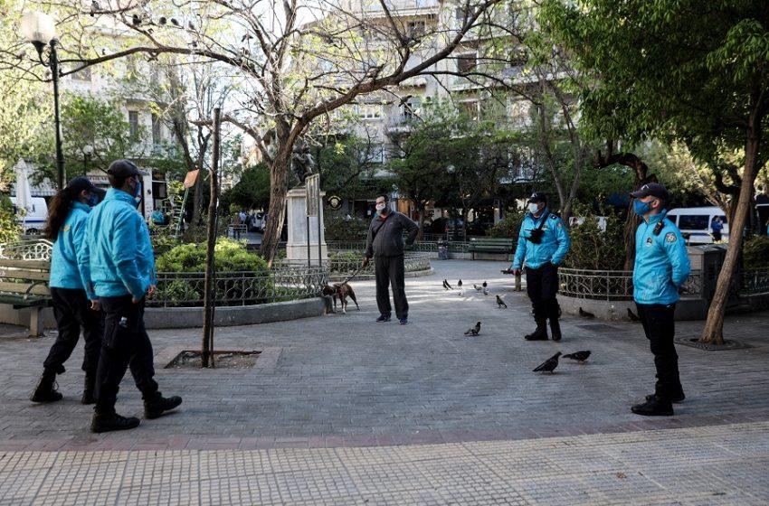 Κυψέλη: Μπλόκο της ΕΛ.ΑΣ στην πλατεία Αγίου Γεωργίου για τρίτη μέρα