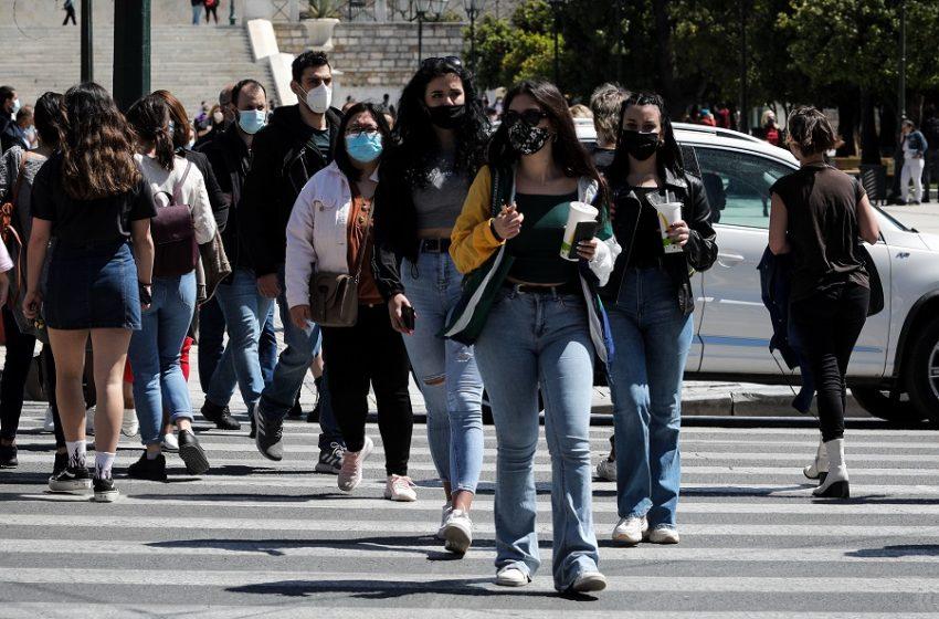 """Κοροναϊός: Αττική, Θεσσαλονίκη και Λάρισα στο """"κόκκινο"""" – Η γεωγραφική κατανομή των κρουσμάτων"""