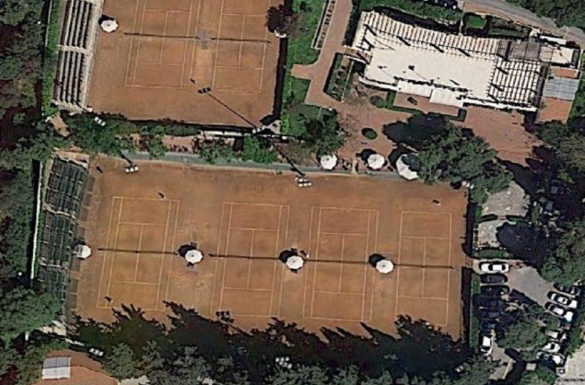 """Εφημερίδα """"δημοκρατία"""": Ο Μητσοτάκης έπαιζε τένις την Τρίτη, όταν ανακοινώθηκε ρεκόρ κρουσμάτων (εικόνα)"""