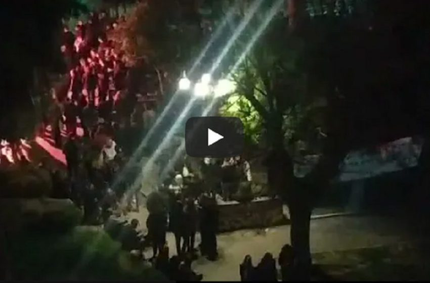 Σαββατιάτικα πάρτι σε πλατείες – Η αντίδραση της αστυνομίας (vid)