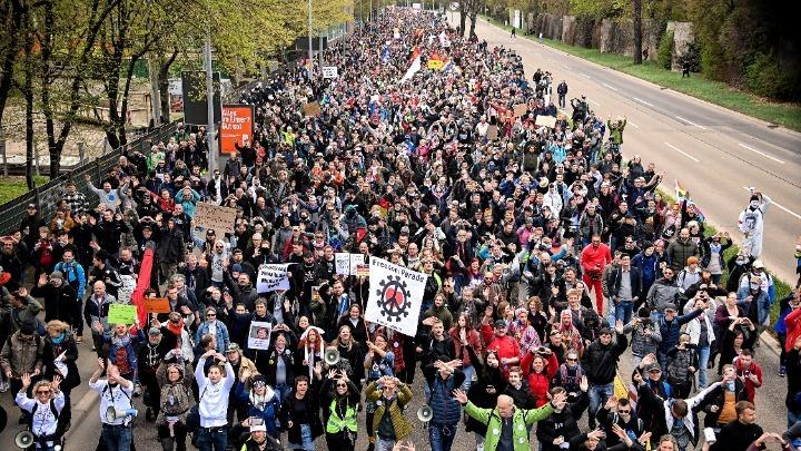 Νέα διαδήλωση κατά των μέτρων για την πανδημία στη Στουτγάρδη