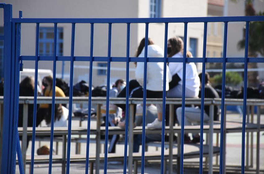 Υπ. Παιδείας: 77.415 οι εισακτέοι στα ΑΕΙ – Ανακοινώθηκαν οι ελάχιστες βάσεις εισαγωγής