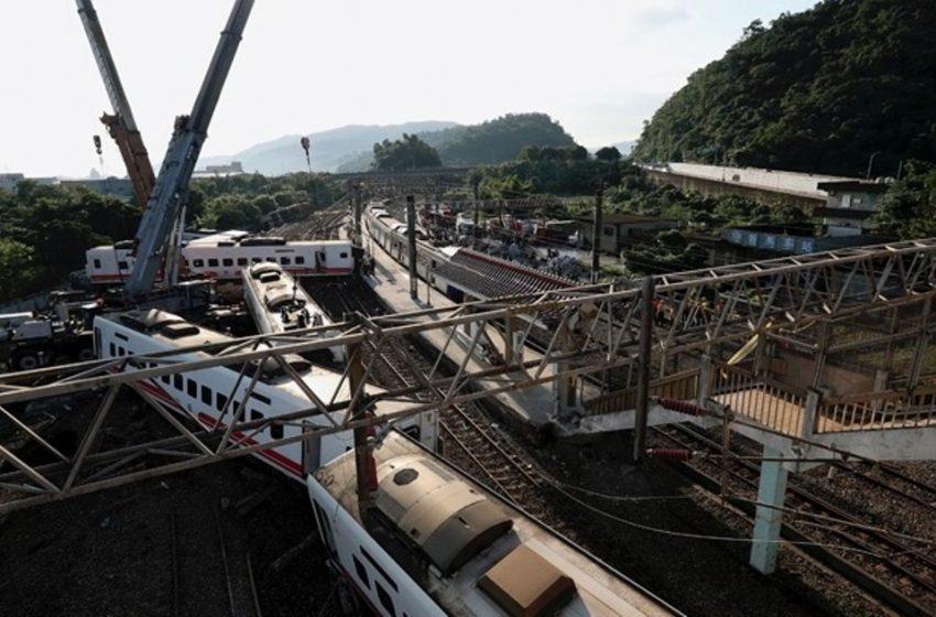 Τραγωδία με νεκρούς από εκτροχιασμό τρένου στην Ταϊβάν