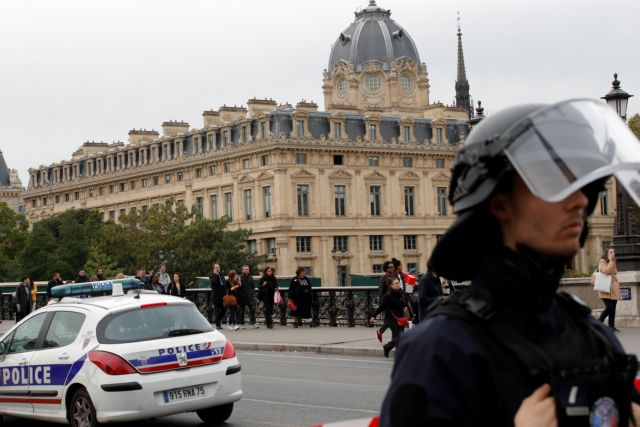 Πυροβολισμοί στο Παρίσι – Τραυματίστηκε 10χρονο παιδί