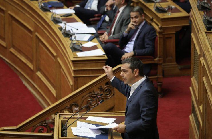 """Το εκλογικό """"σήμα"""" Μητσοτάκη, οι εισηγήσεις στο Μαξίμου και το μήνυμα Τσίπρα για """"διάταξη μάχης"""""""