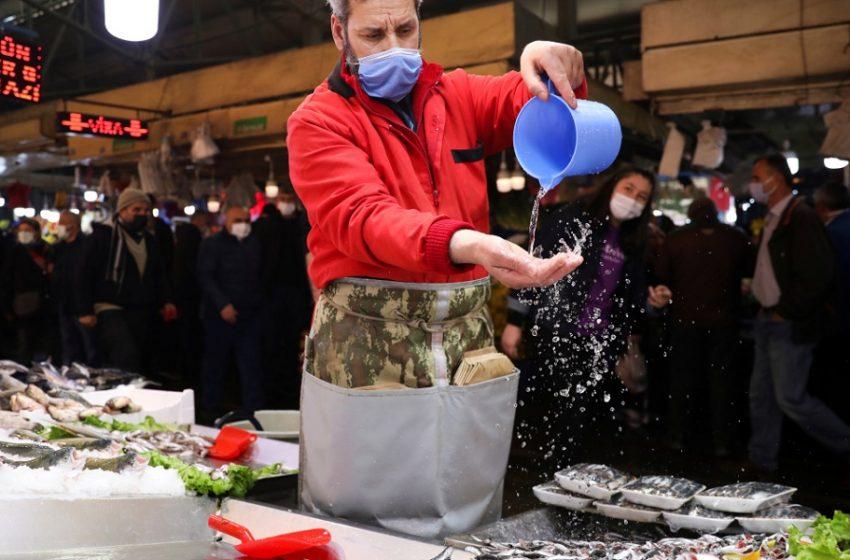 Κοροναϊός: Ολικό lockdown έως τις 17 Μαϊου στην Τουρκία