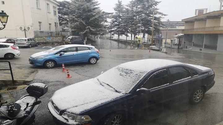 Χιόνια σε Θεσσαλονίκη, Τρίκαλα και Λάρισα (vids – εικόνες)