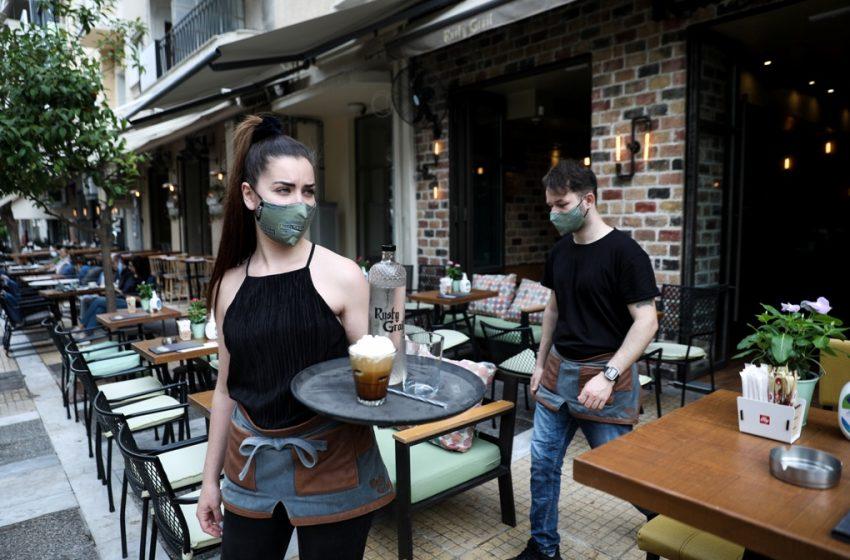 Άνοιξαν τα καφέ: Ο φόβος για τους πελάτες και ο προβληματισμός για τους ιδιοκτήτες