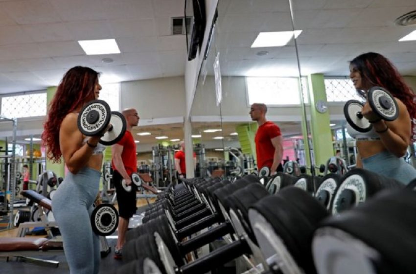"""Ανοίγουν τη Δευτέρα  γυμναστήρια και υπαίθρια γήπεδα-""""Καμπανάκι"""" Χαρδαλιά για 5 περιοχές"""