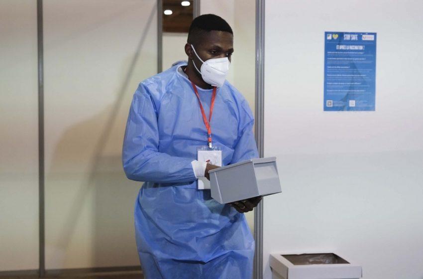 Κοροναϊός – ΗΠΑ: Ξεκίνησε ο εμβολιασμός εφήβων 12-15 ετών με… δώρο ένα ντόνατ