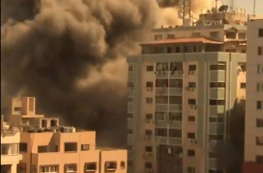 Γάζα: Σοκ από τους ισραηλινούς βομβαρδισμούς στο κτίριο του Associated Press- Επικοινωνία Μπάϊντεν-Νετανιάχου