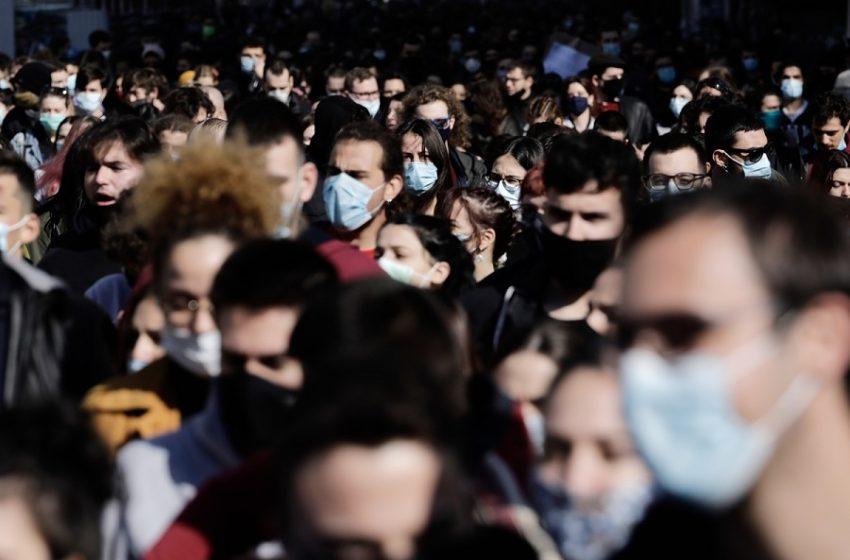 Πότε θα βγάλουμε τις μάσκες; Τι απαντούν Δημόπουλος, Λινού και Βατόπουλος