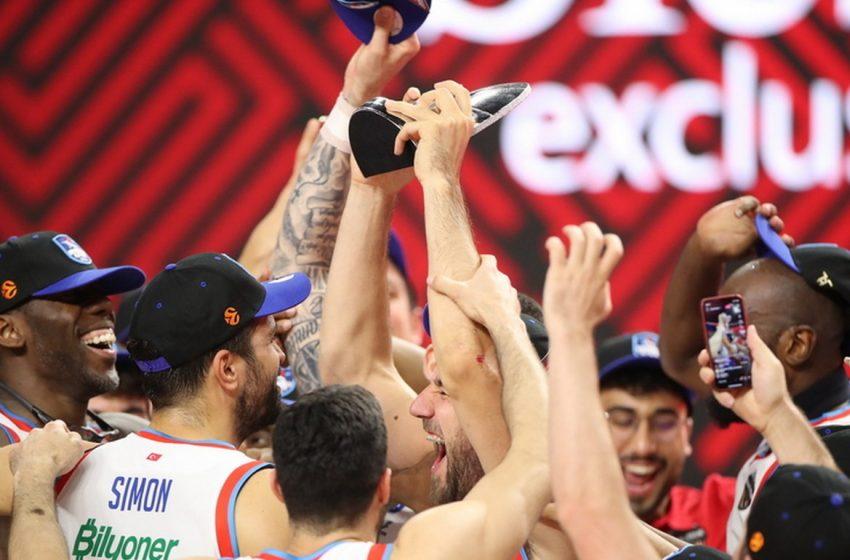 H Αναντολού Εφές λύγισε τη Μπαρτσελόνα και κατέκτησε τη Euroleague