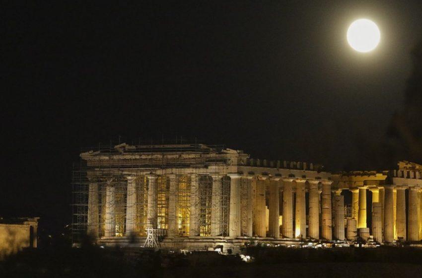 Απόφαση ΚΑΣ: Φωτογραφήσεις του Dior σε Ακρόπολη, Ηρώδειο, Σούνιο και Νεμέα