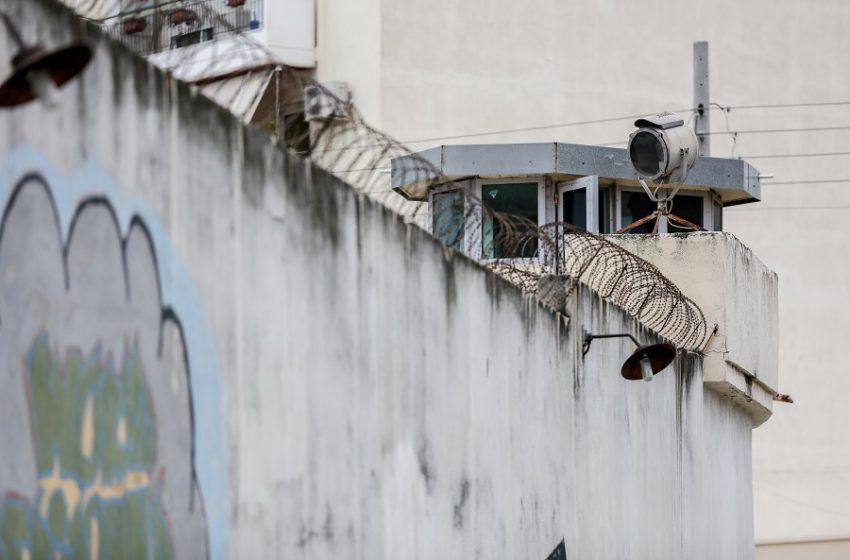 Στη φυλακή ο 47χρονος που κατηγορείται ότι βίαζε την ανήλικη θετή του κόρη