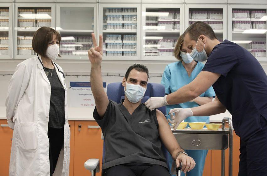 Θεμιστοκλέους: Έως τέλη Μαΐου θα έχει εμβολιαστεί πλήρως το 20% του πληθυσμού