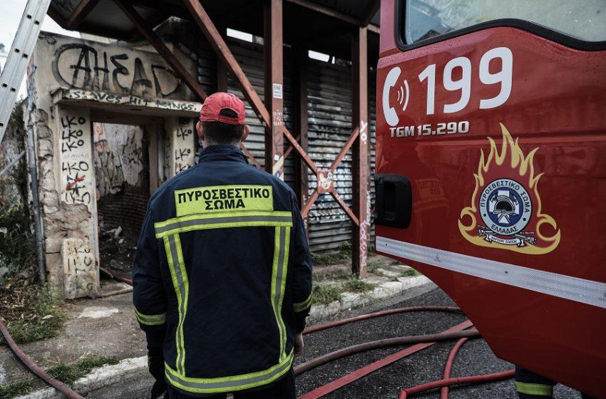 Φωτιά σε συνεργείο αυτοκινήτων στη Νέα Ιωνία