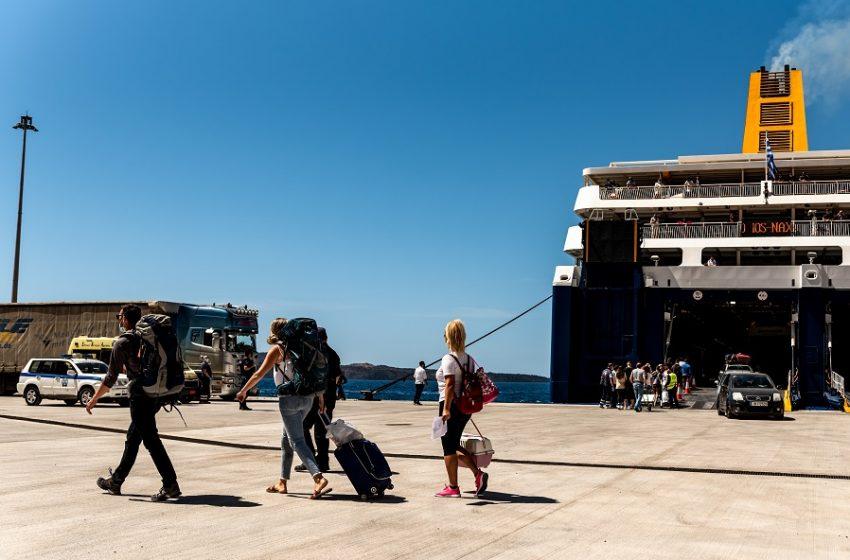 Σαντορίνη: Απαγορεύτηκε ο απόπλους του επιβατηγού ταχύπλοου «POWER JET» λόγω εισροής υδάτων