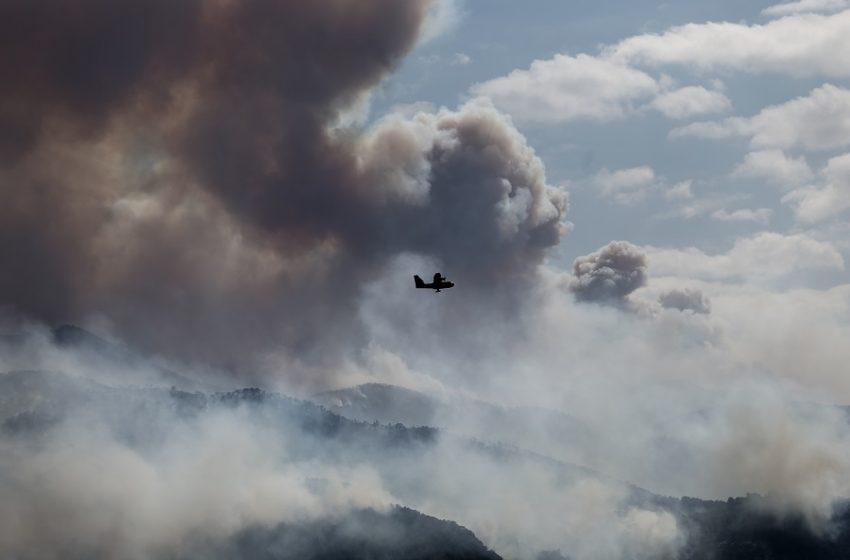 ΚΙΝΑΛ για την πυρκαγιά στην Κορινθία: Άβουλοι και μοιραίοι περιμένουν να σβήσει
