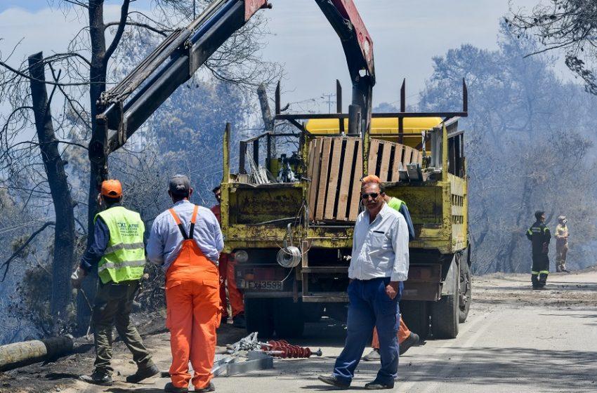 Πυρκαγιά στον Σχίνο-Που έχει διακοπεί η κυκλοφορία