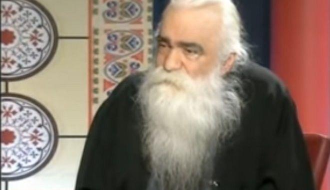 Εκοιμήθη ο ροκ ιερέας των Εξαρχείων- Είχε προσβληθεί από κοροναϊό