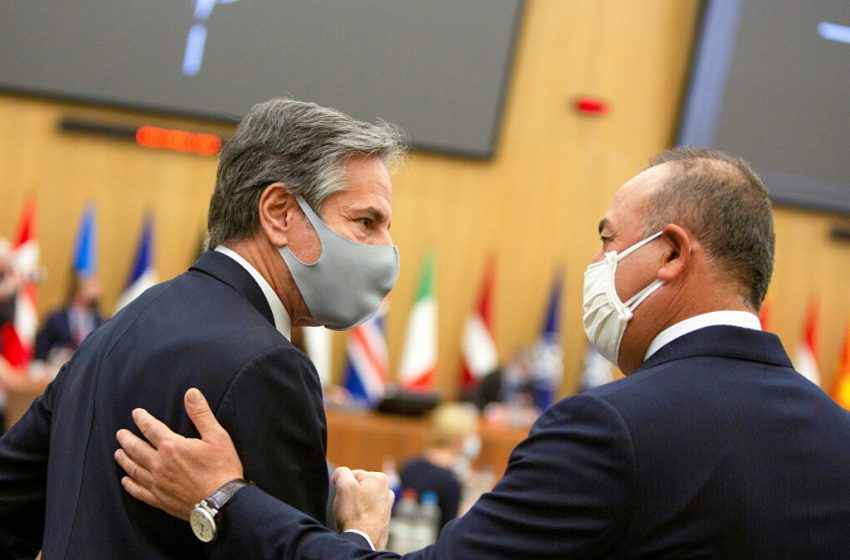 Αιφνιδιαστική επικοινωνία: Τι συζήτησαν Μπλίνκεν – Τσαβούσογλου