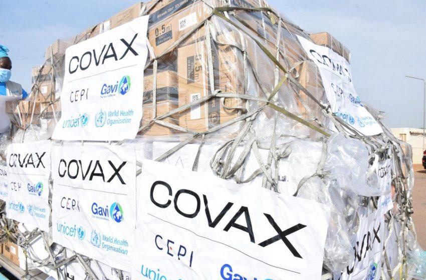 Αντί παιδικού εμβολιασμού, εμβόλια στις φτωχές χώρες – Τι απαντά η Παπαευαγγέλου στο libre για το πρόγραμμα Covax