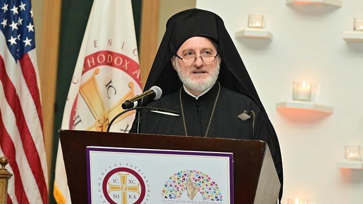 Κυβέρνηση: Μας ενόχλησαν οι κινήσεις του Αρχιεπισκόπου Αμερικής Ελπιδοφόρου