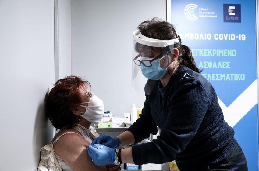 Εμβόλια: Ποιές είναι οι φυσιολογικές και ποιές οι ανεπιθύμητες παρενέργειες