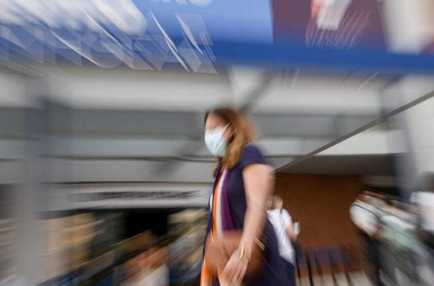 Πέτσας: Μπορούμε να χάνουμε θέσεις εργασίας επειδή κάποιοι δεν εμβολιάζονται; (vid)