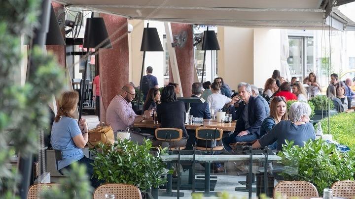 """Φρένο στην απελευθέρωση του ωραρίου της εστίασης – Πελώνη: """"Διεύρυνση συζητείται…"""""""