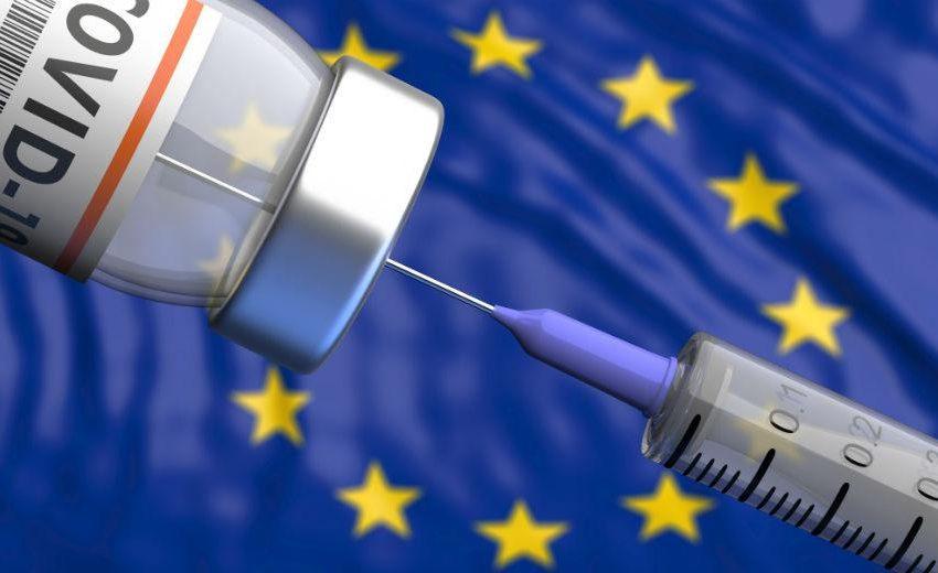 """Εμβολιασμοί στην Ε.Ε:Η κατάταξη των χωρών και το ποσοστό (δόσεις/100 κατοίκους)- Ποια είναι """"πρωταθλήτρια""""- Η θέση της Ελλάδας"""