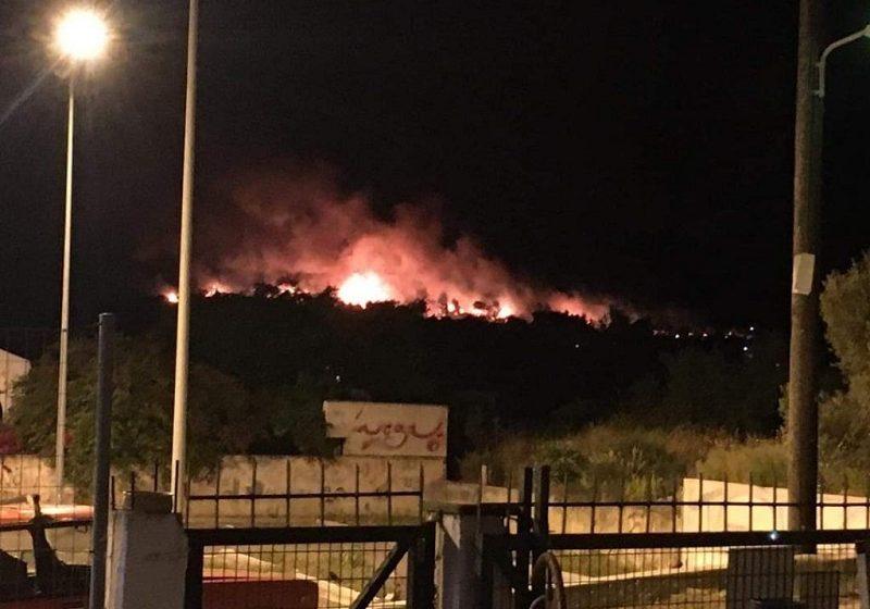 Μεγάλη φωτιά στον Σχίνο Κορινθίας – Εκκενώνονται οικισμοί