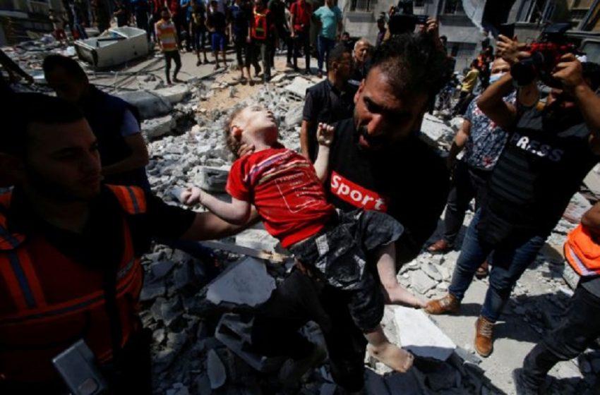 Εικόνες-σοκ με νεκρά παιδιά στα χαλάσματα-Ο ισραηλινός στρατός «χτύπησε» το σπίτι του πολιτικού ηγέτη της Χαμάς (vid)