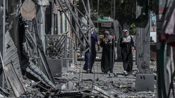 Γάζα: Οι βομβαρδισμοί κάνουν τους Παλαιστίνιους να ξεχνούν τον κοροναϊό – Συγκλονιστικές μαρτυρίες