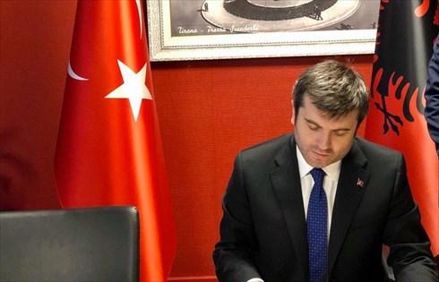 """""""Ιδιωτική επίσκεψη""""-προσκύνημα του Τούρκου υφ.Εξωτερικών σε Θεσσαλονίκη-Θράκη- Βάζουν (ξανά) θέμα """"τουρκικής μειονότητας"""""""
